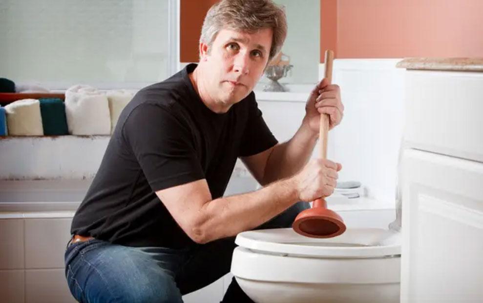 Što se nikada ne baca u WC školjku?
