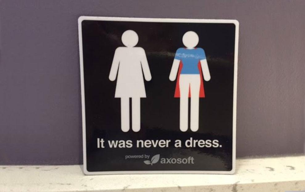 Ženski znak na toaletu ne predstavlja haljinu. Kampanja #itwasneveradress